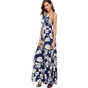 Dresses & Skirts - NWOT Floral Maxi Dress